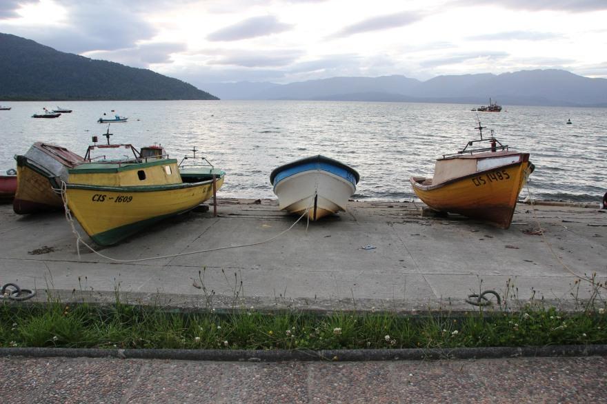 07_boats in puerto cisnes